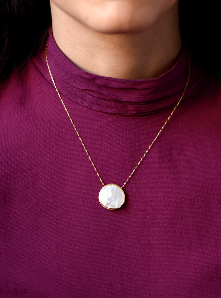 Shelly Single Mother of Pearl With CZ Necklace
