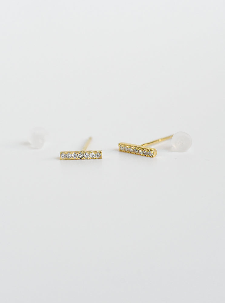 Zirconia Bar Earrings With Dangling Pearls