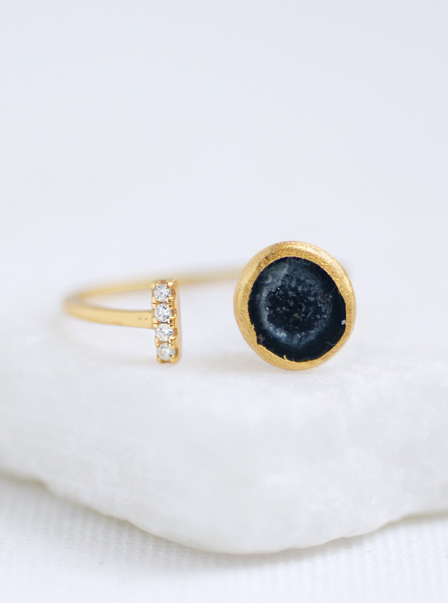 CZ Geode Double Side Bar Ring  *