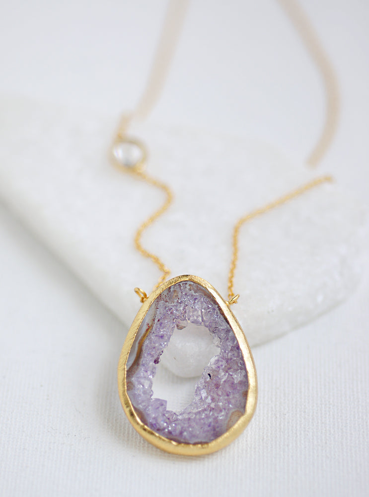 Open Agate Slice and Single Quartz Necklace