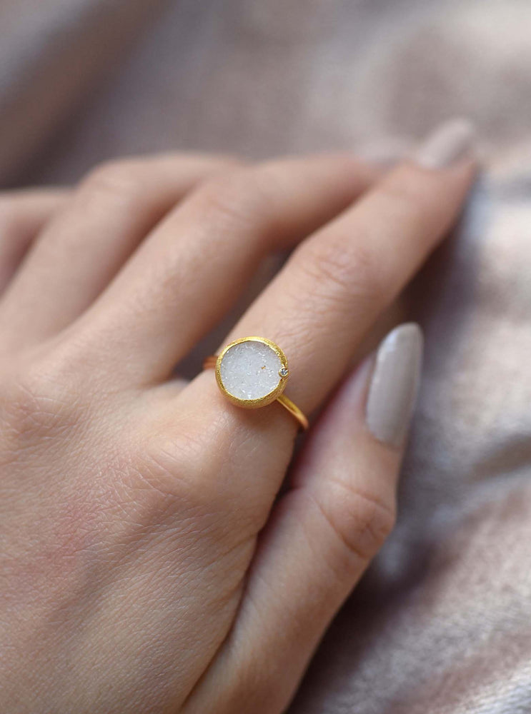 Shining Druzy Round With Genuine Diamond Ring