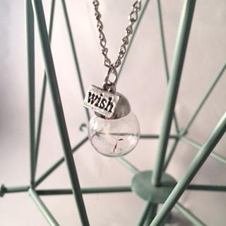 Make a Wish with this Dandelion Pendant Necklace!-Necklace-Hallvaror-Gift_Ideas-Clothing-Jewelry-Accessories