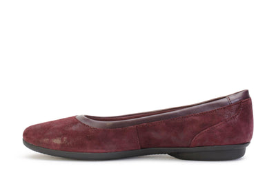 clarks-womens-flat-shoes-gracelin-mara-aubergine-suede-26128607-opposite