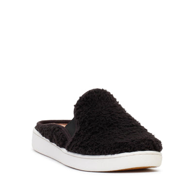ugg-womens-slip-on-shoes-w-luci-black-1091950-3/4shot