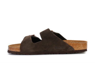 birkenstock-womens-slide-sandals-arizona-bs-mocha-suede-951313-3/4shot