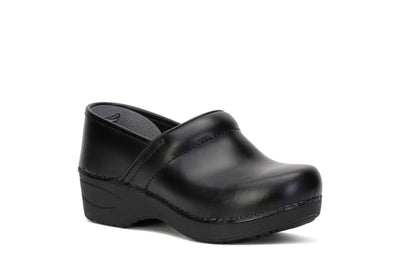 dansko-womens-clog-shoes-xp-2-0-pull-up-black-leather-3950-100202-3/4shot