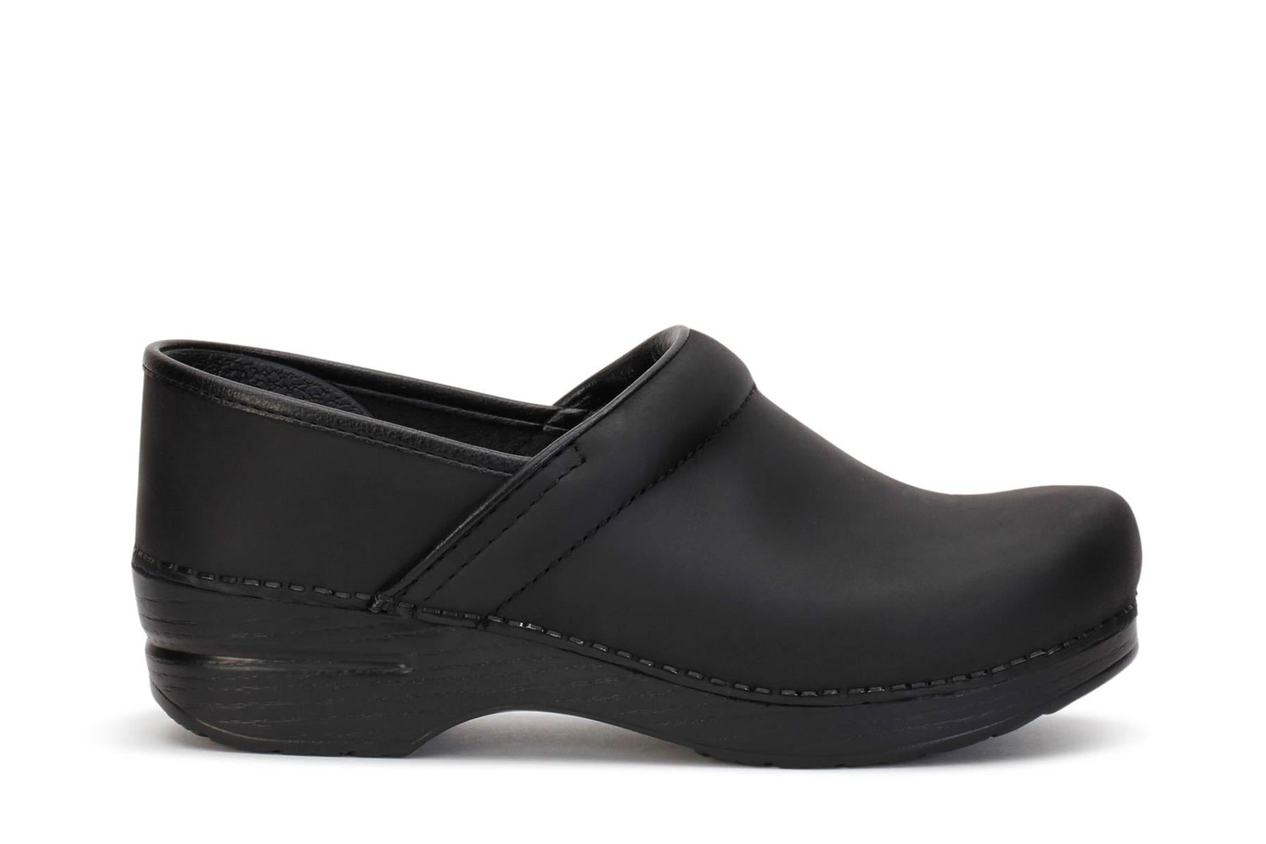 dansko-womens-clog-shoes-professional-oiled-black-leather-206-020202-main