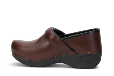 dansko-womens-clog-shoes-xp-2-0-pull-up-brown-leather-3950-530202-opposite