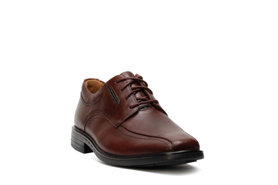 clarks-unstructured-mens-oxford-shoes-unkenneth-way-brown-leather-26128045-3/4shot