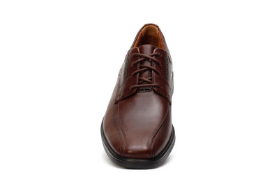 clarks-unstructured-mens-oxford-shoes-unkenneth-way-brown-leather-26128045-front