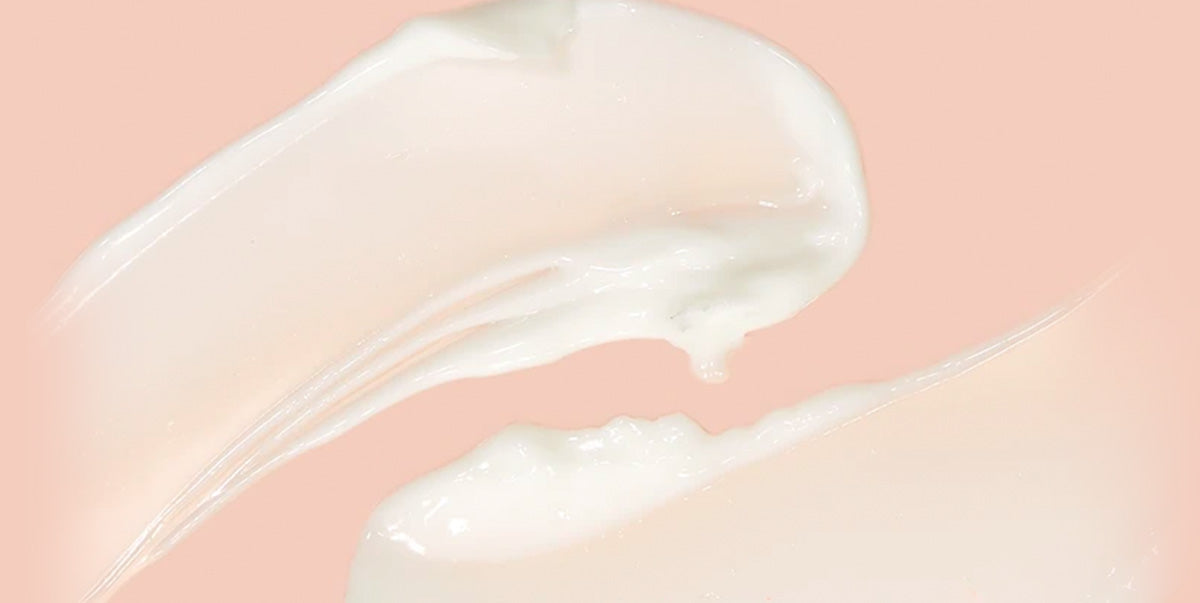Texture image with two swipes of the daily eye cream