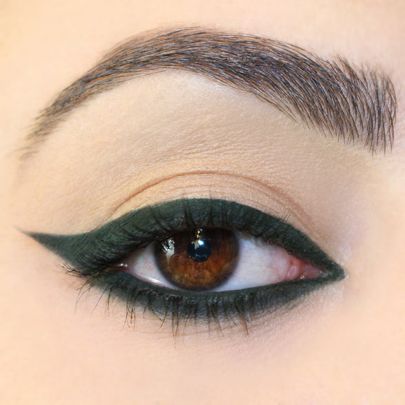 Workout green Creme Gel eye liner Pot winged eye