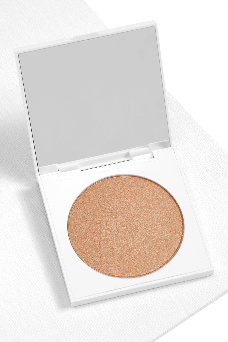 1st Prize pearlized  golden sand Pressed Powder Highlighter in compact