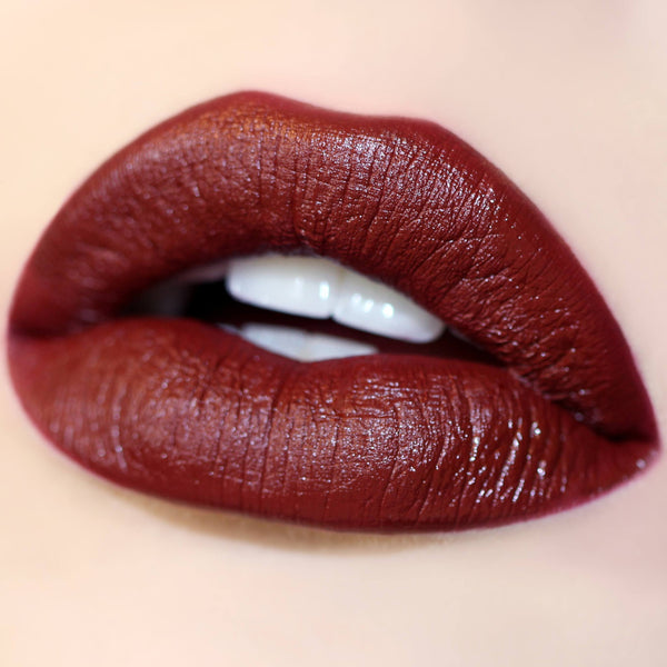 Prim deep red Ultra Satin Lip swatch