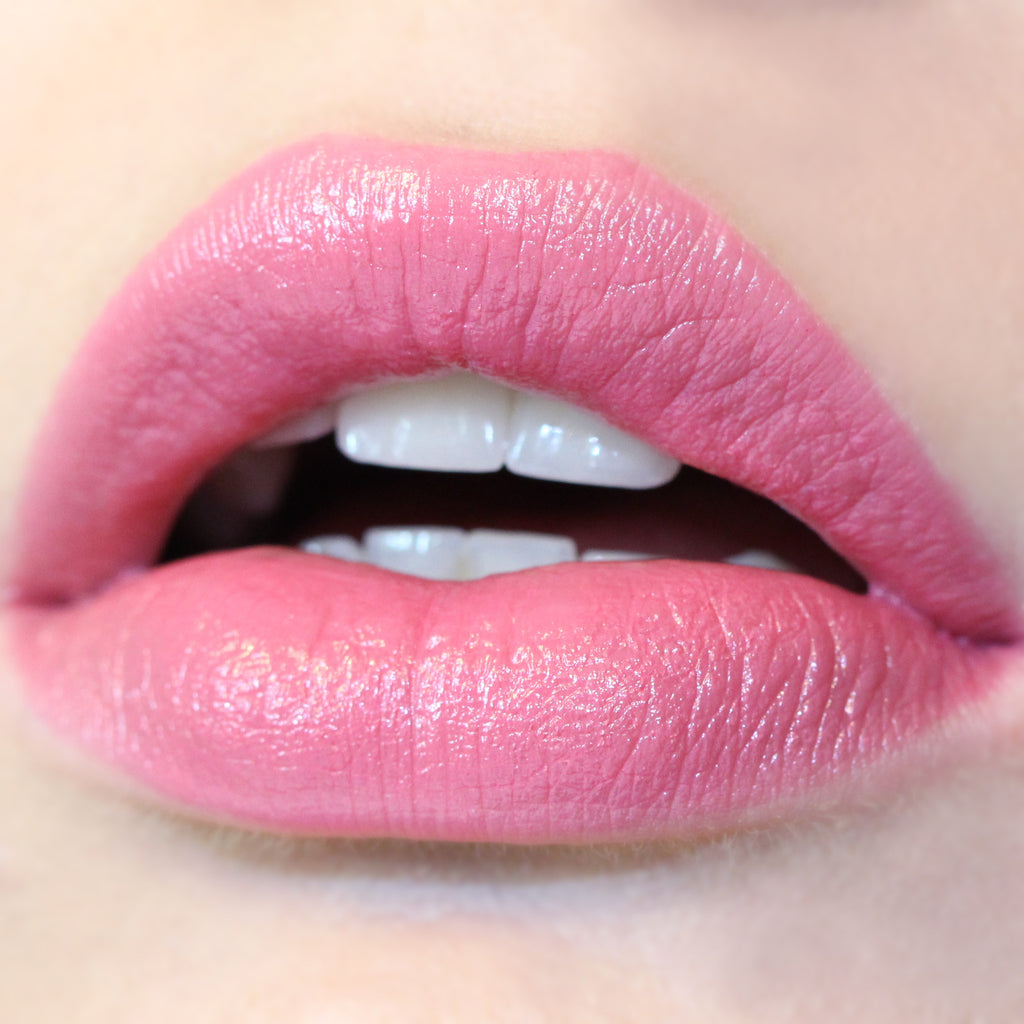 Juice Bar berry pink Lippie Stix swatch