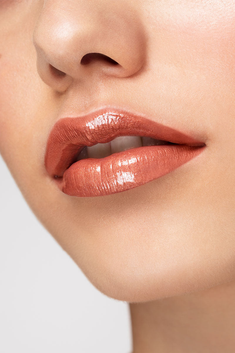 Lay-Z metallic nude with gold glitter Ultra Glossy lip gloss lip swatch