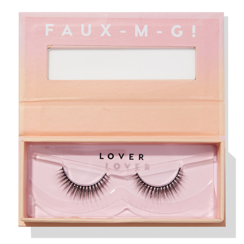 Lover false lashes in open box