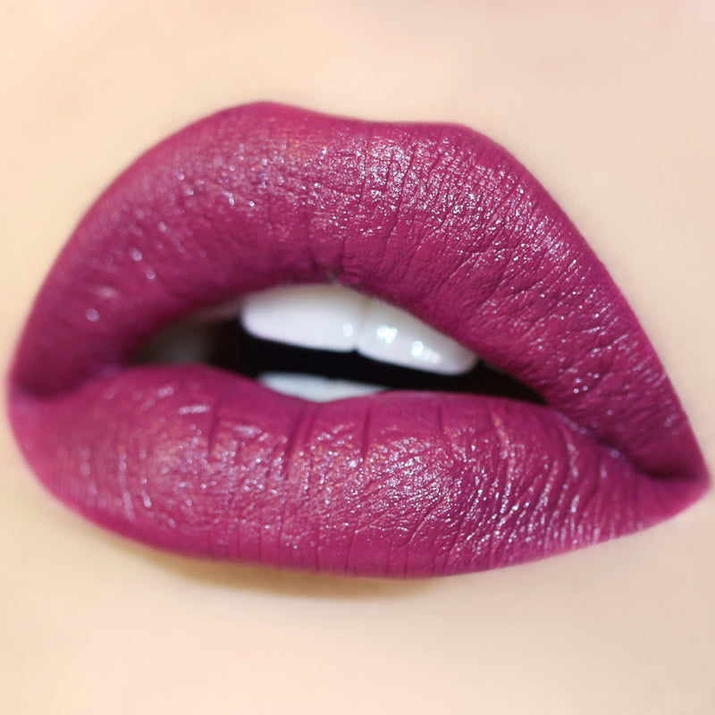 Panda violet plum Ultra Satin Lip swatch