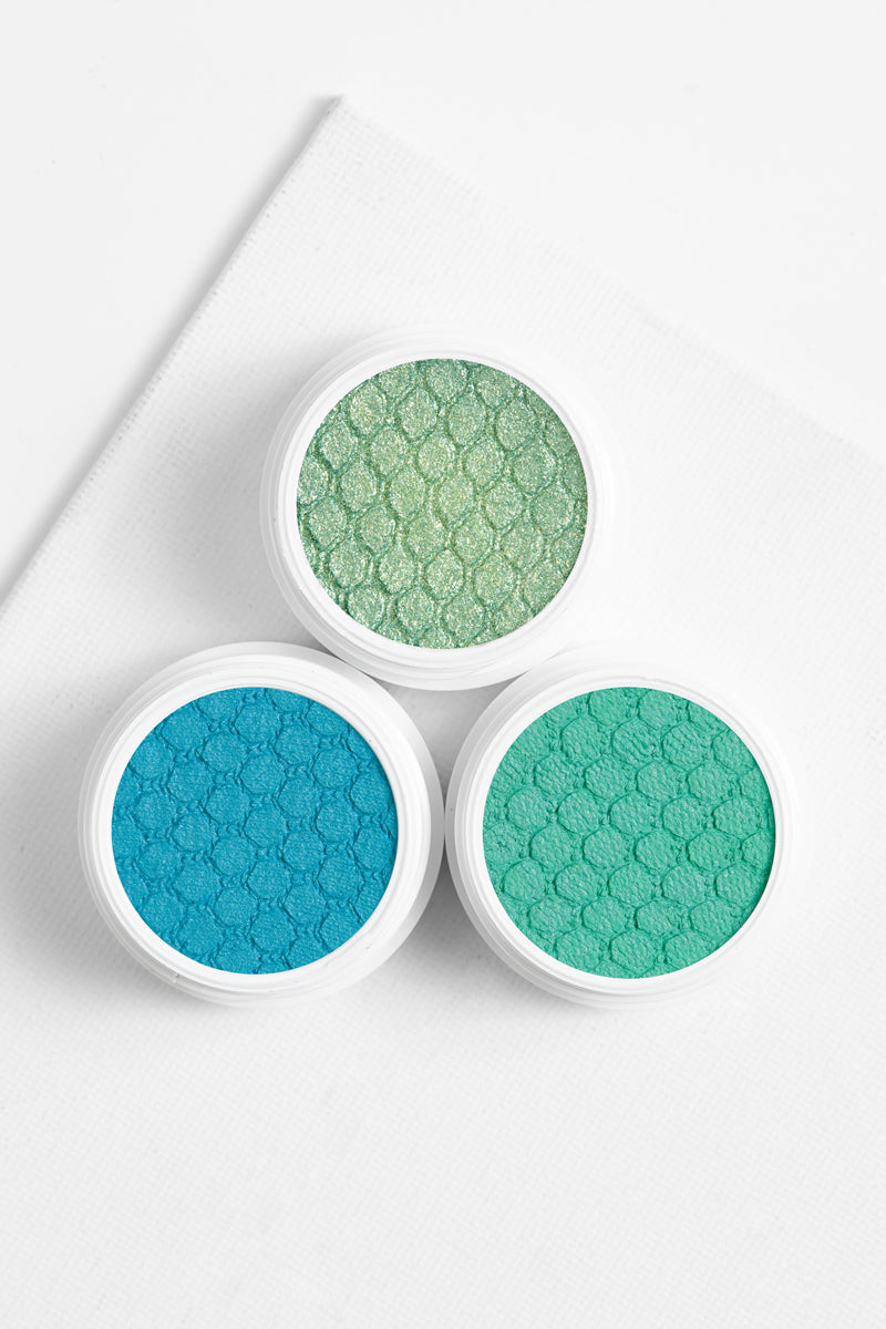 Snap Dragon matte vibrant true aqua Super Shock eye Shadow with complimentary colors