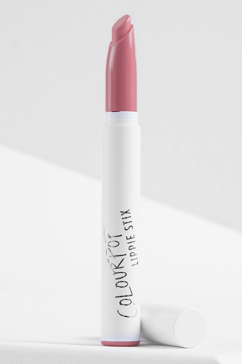 Bound light nude pink crème Lippie Stix