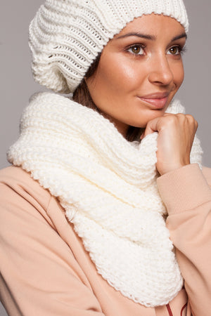 Ribbed Ecru Circle Scarf - So Chic Boutique