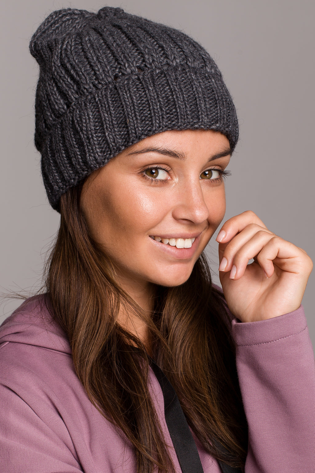 Graphite Knit Ribbed Beanie - So Chic Boutique