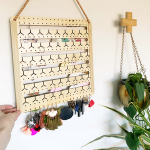 NATURAL WOOD HANGING BUNNY-NOSE™ EARRING HOLDER