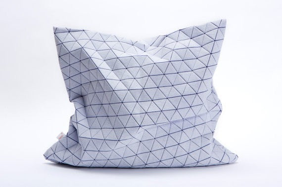 Ilay pillow cover, White and purple 50x50cm