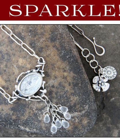 Quartz Necklace with Sparkle Droplets on an Oval Chain