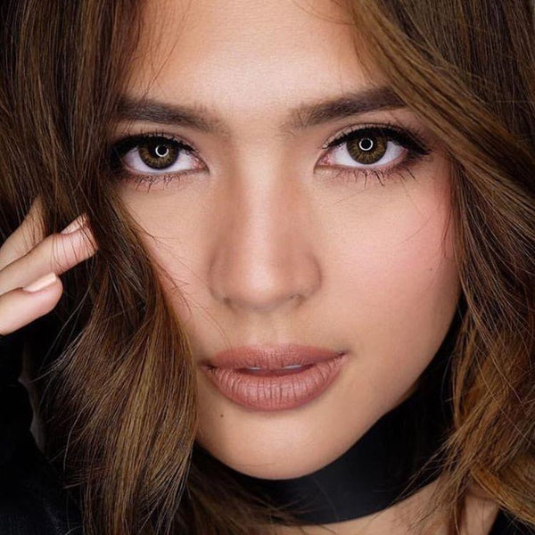 Sofia Andres  wearing FreshLook 1 Day | AnytimeContacts Australia