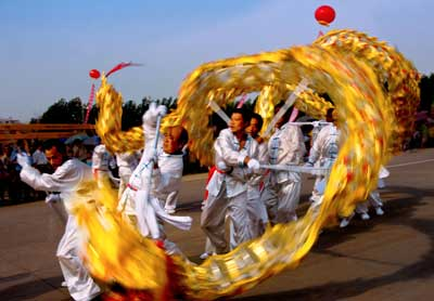 dragon dancers chinese new year