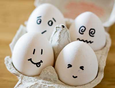 romantic ideas for wife at home - writing on eggs