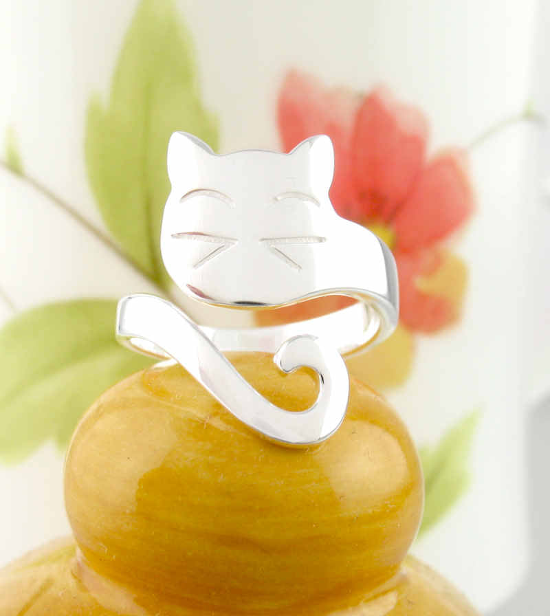Contented Cat With Wrap-Around Tail Adjustable Ring | woot & hammy thoughtful jewelry