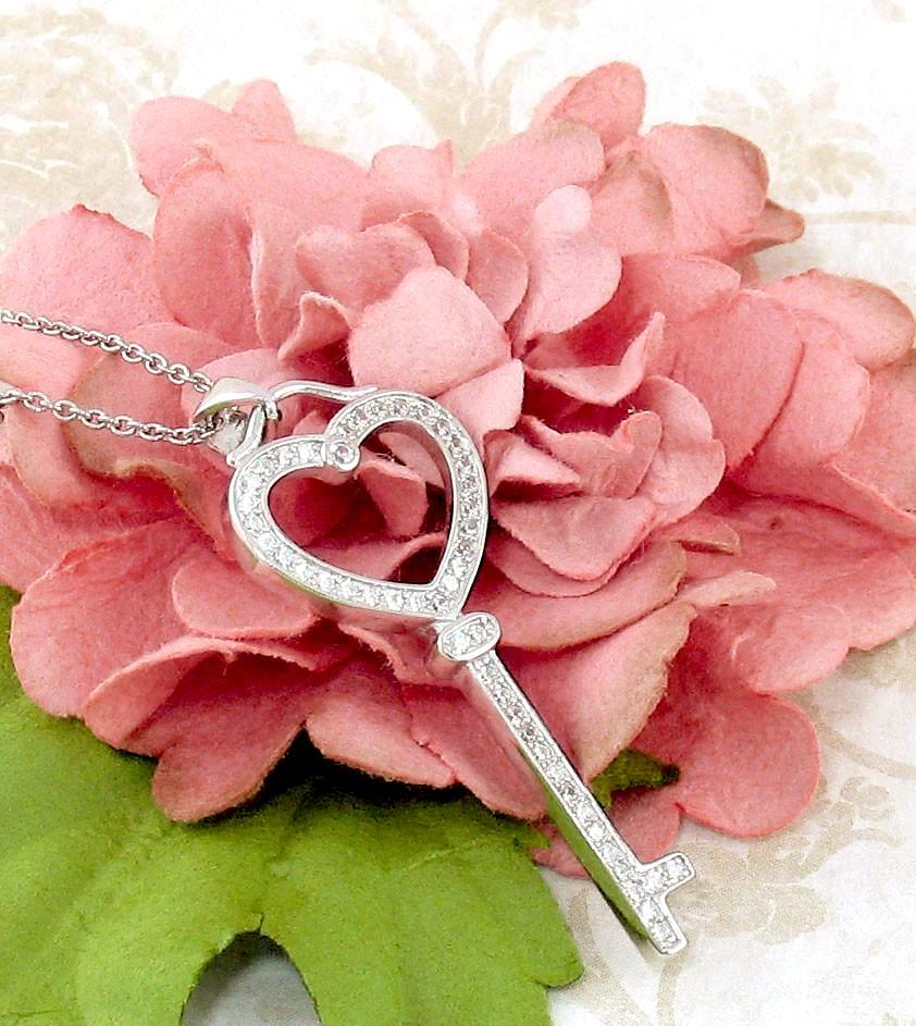 Shimmering Heart Key Necklace - woot & hammy