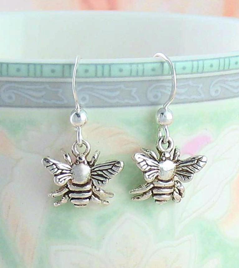 Little Bumble Bee Earrings - woot & hammy