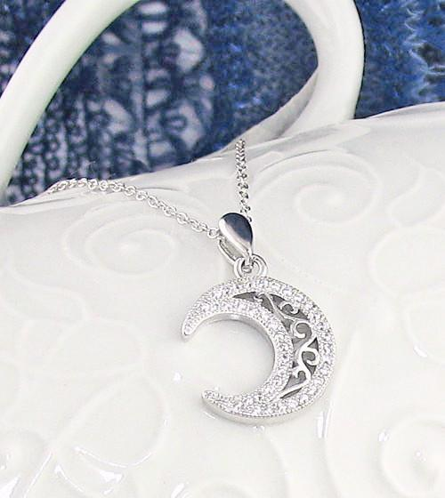 Gleaming Crescent Moon Necklace - woot & hammy