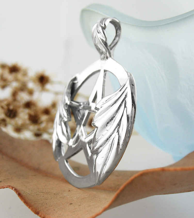 Decorative Oak Leaf Cut-Out Pentacle Pendant | woot & hammy