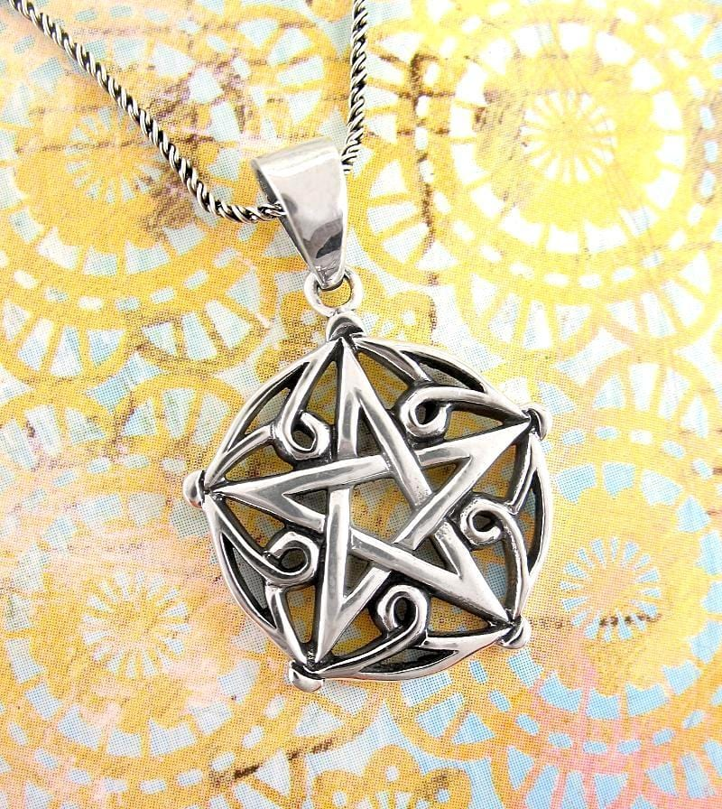 Pentagram of Brisingamen Necklace - woot & hammy