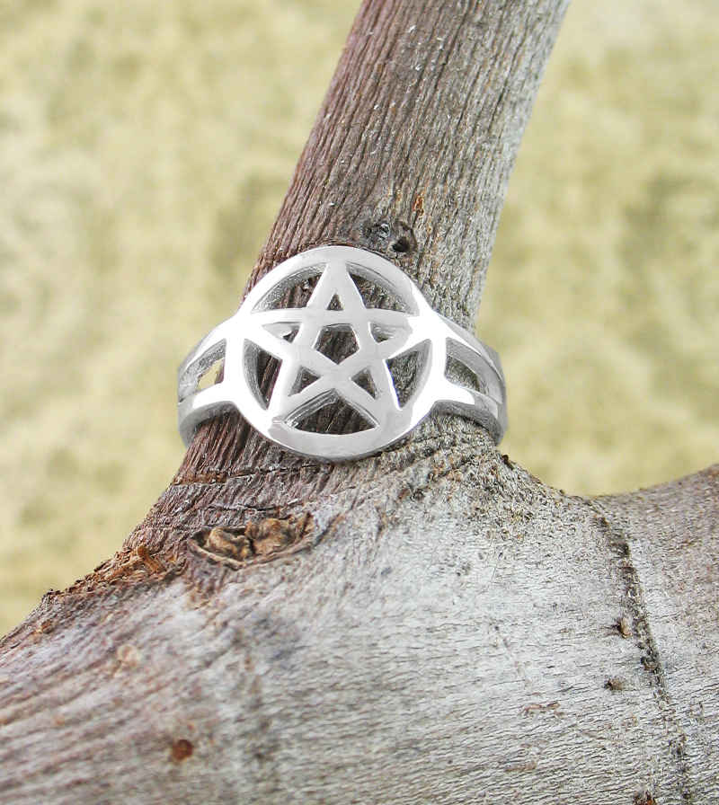 Small Adjustable Cut-Out Pentacle Toe or Midi Ring | Woot & Hammy