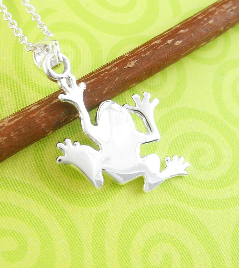 Lovable Climbing Tree Frog Necklace | woot & hammy thoughtful jewelry