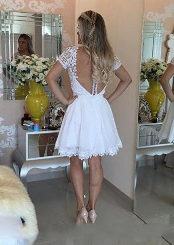 2017 Short White Homecoming Dresses Lace Beaded Top Graduation Dresses