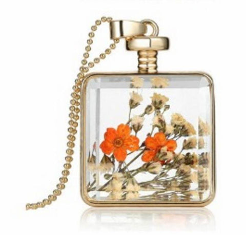 ELEGANT Dried Flower Glass Square Pendant Necklace - Ezy Buy Outlet