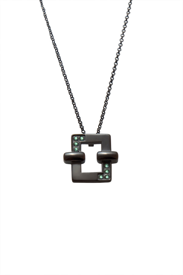Opposite attraction necklace