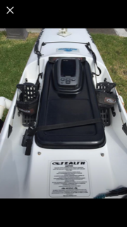 Used Garmin 300c with Stealth flush mount fish hatch lid