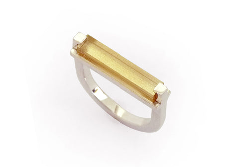 Custom made ring met citrien, minimalistisch, geometrisch, strak en clean
