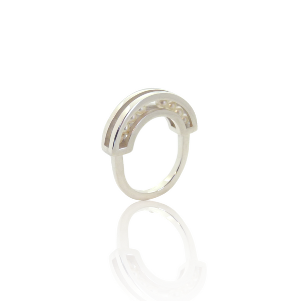 Flow ring silver pearls
