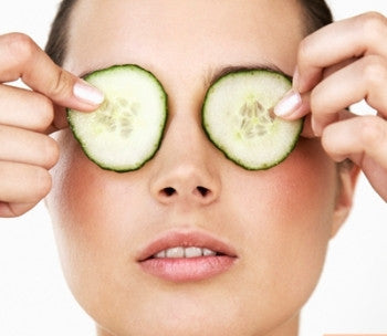 How to Reduce Puffiness in The Under Eyes