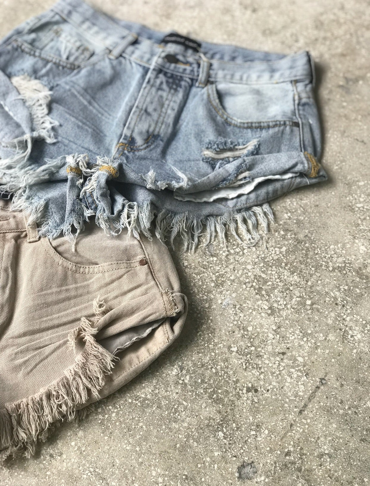Side roll up denim short