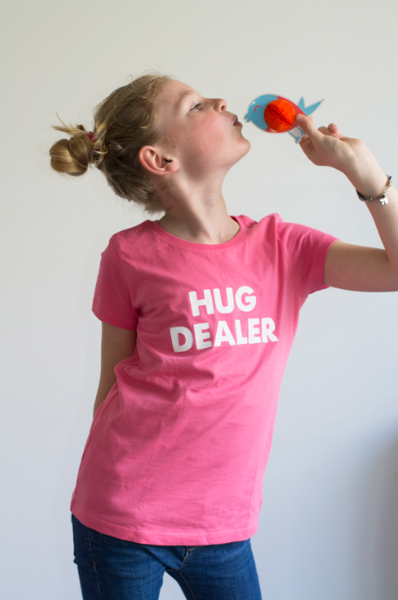 Hug Dealer - Kids tee