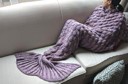 Scalloped Mermaid Tail Blanket (Lavender)